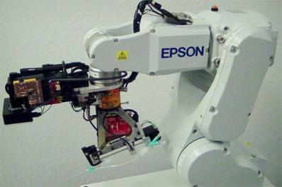 معرفی اولین رباتی که میتواند از انسان خون بگیرد