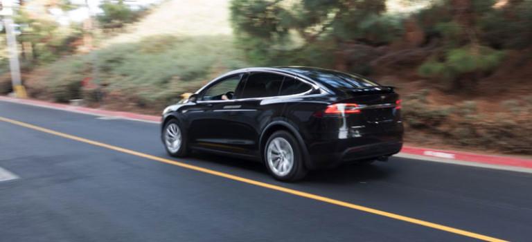 تسلا ایکس با لقب امن ترین SUV جهان به بازار عرضه شد
