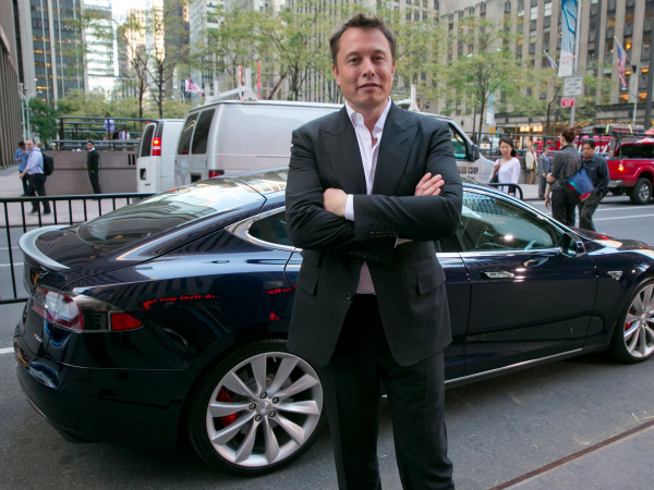 in-2014-there-were-reports-of-tesla-ceo-elon-musk-meeting-with-apples-ma-chief-adrian-perica-musk-later-told-cnbc-that-he-did-meet-with-apple-although-he-refused-to-confirm-who-he-met-w600