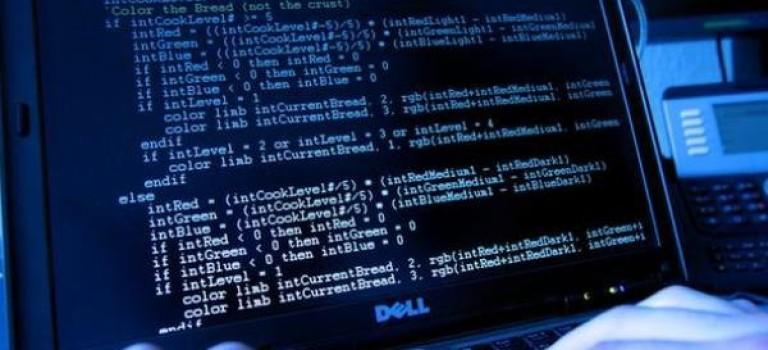 حمله به کاربران واتساپ و فیسبوک/ سرقت اطلاعات