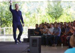 اپل بیش از یک میلیارد واحد آیفون به فروش رسانده است