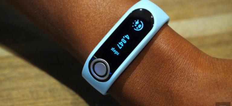 پایشگر سلامتی جدید TomTom ساختار بدنی کاربران را مورد تجزیه و تحلیل قرار می دهد